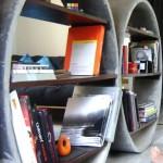 biblioteczka-z-betonu-3