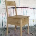 krzeslo-ze-schowkiem-1