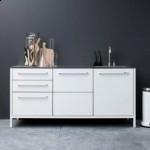 kuchnia-stalowy-blat-minimalistyczna-1