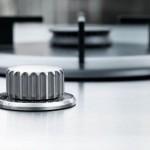 kuchnia-stalowy-blat-minimalistyczna-3