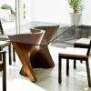 Nowoczesny stół ze szklanym blatem