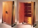 Wielofunkcyjna drewniana szafa